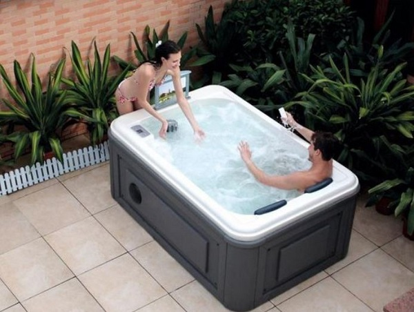 small hot tub ideas feature