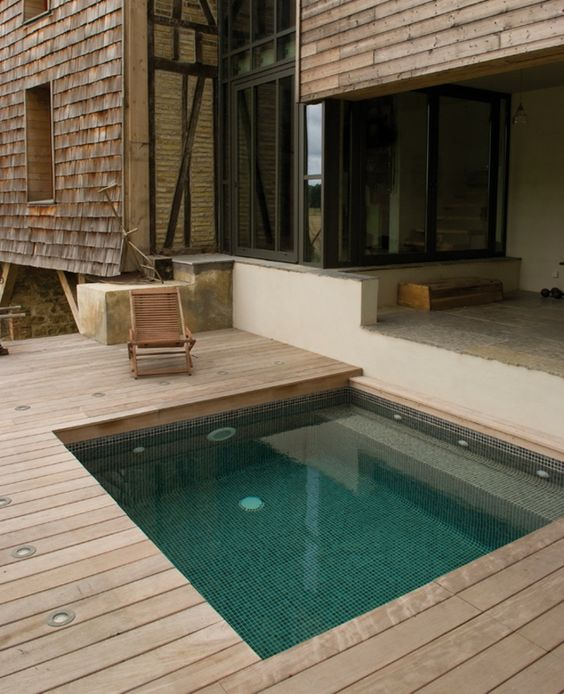 Cheap Swimming Pool Ideas: Cozy Plunge Pool