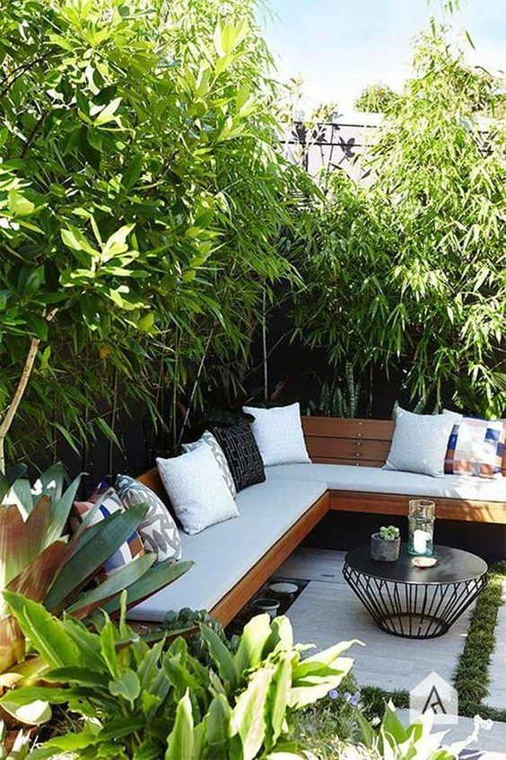 DIY Backyard Oasis Ideas: Stylish Earthy Design