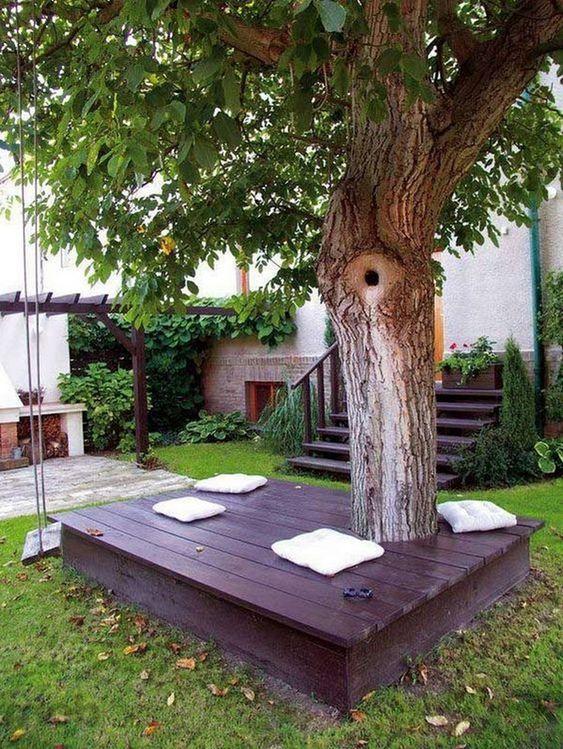 DIY Backyard Oasis Ideas: Small Deck Design