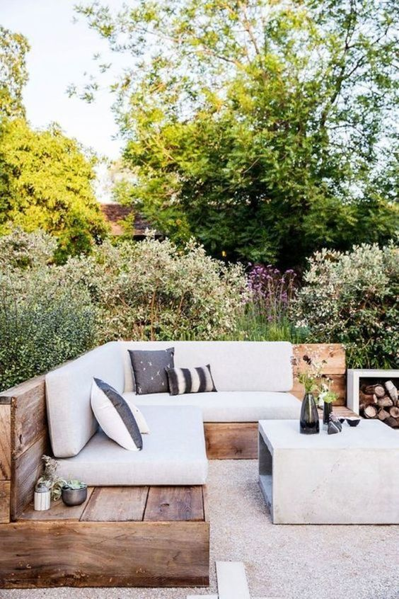 DIY Backyard Oasis Ideas: Minimalist Rustic Design