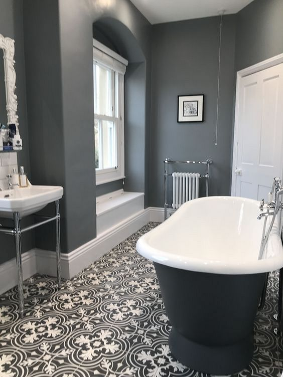 Gray Bathroom Ideas: Stunning Transitional Decor