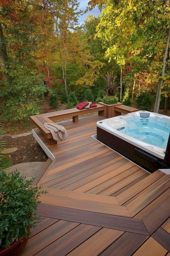 Hot Tub Ideas: Spacious Deck Design