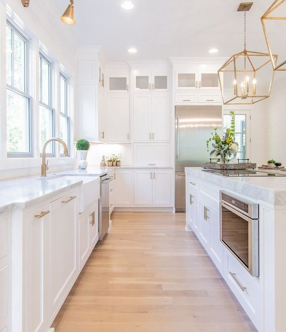 Kitchen Colors Ideas: Earthy White Decor
