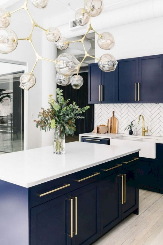 Kitchen Colors Ideas: Elegant Bold Decor