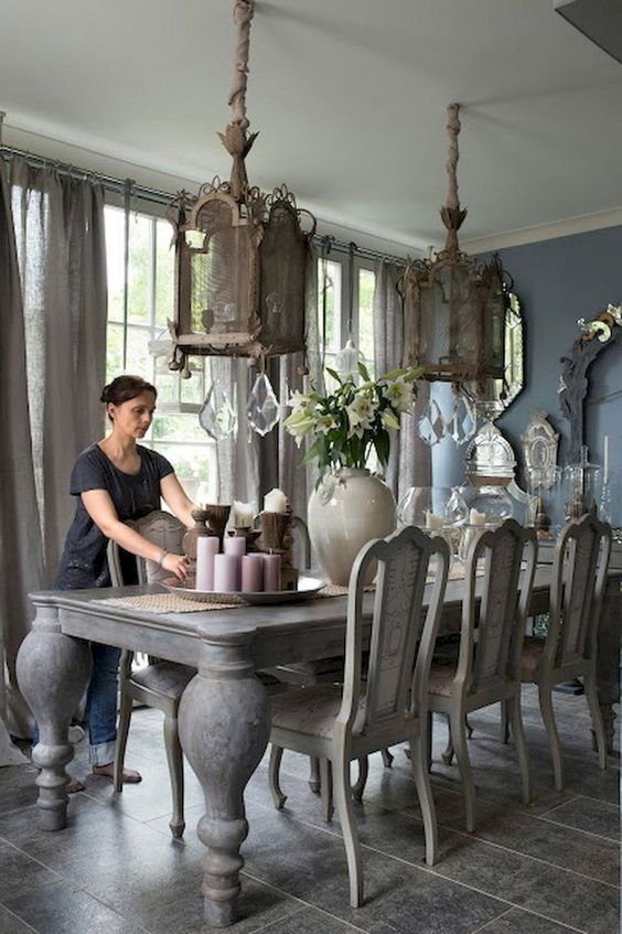 Traditional Dining Room Ideas 19