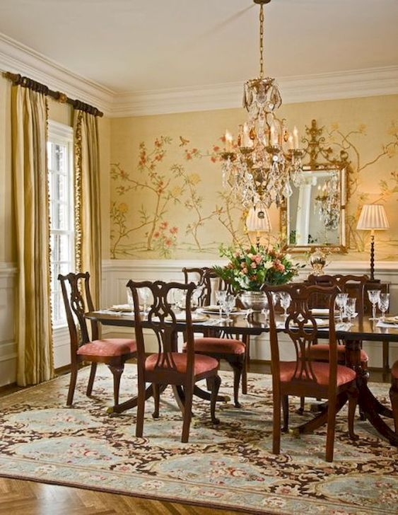 Traditional Dining Room Ideas: Warm Festive Decor