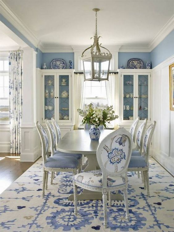 Traditional Dining Room Ideas: Soothing Catchy Decor
