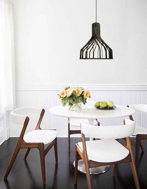 Dining Room Apartment Ideas: Beautiful Monochrome Decor