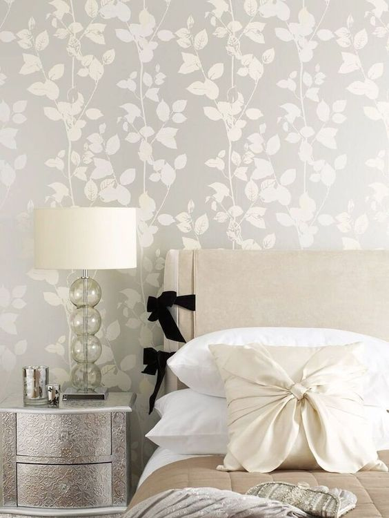 Bedroom Wallpaper Ideas: Lovely Neutral Bedroom