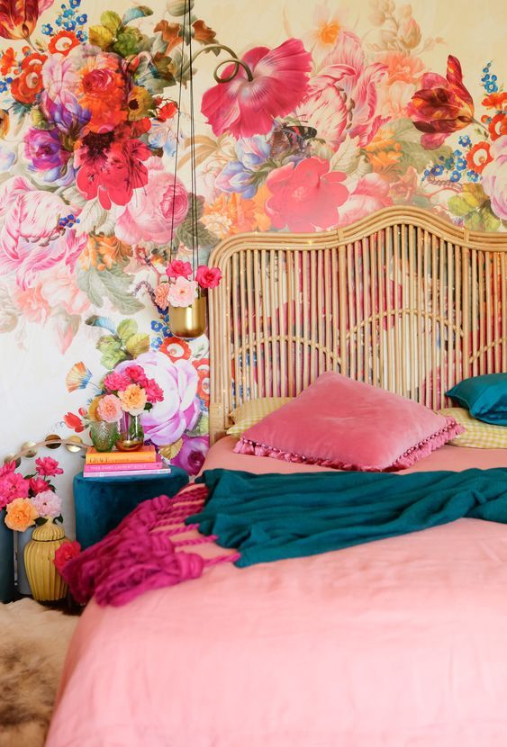 Bedroom Wallpaper Ideas: Colorful Floral Wallpaper