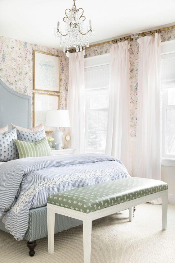 Bedroom Wallpaper Ideas: Beautiful Shabby Chic