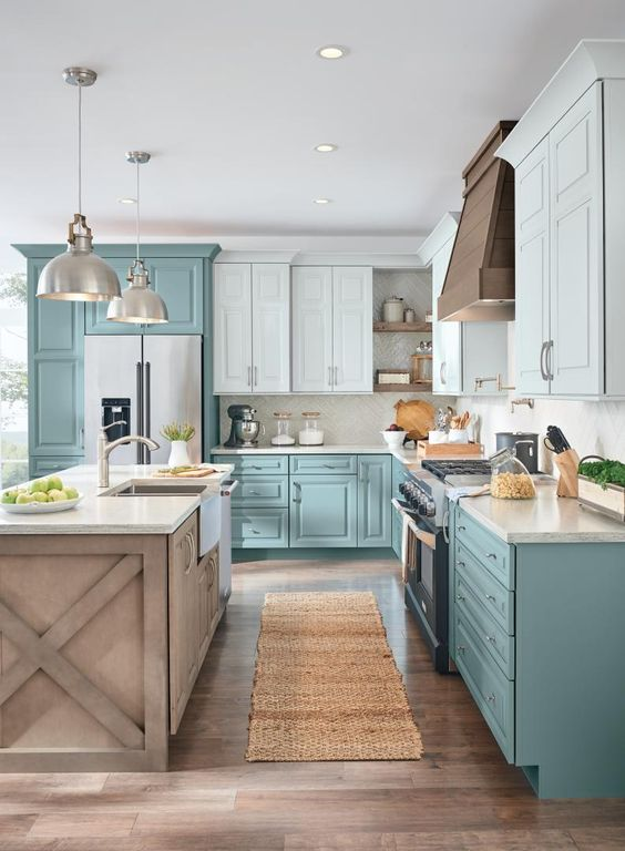 Kitchen Cabinets Idea: Chic Farmhouse Decor