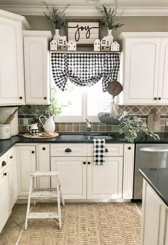 Farmhouse Kitchen Ideas 20