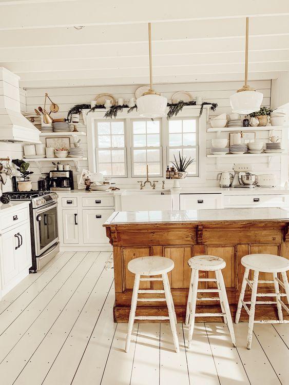 Farmhouse Kitchen Ideas: Breathtaking All-White Look