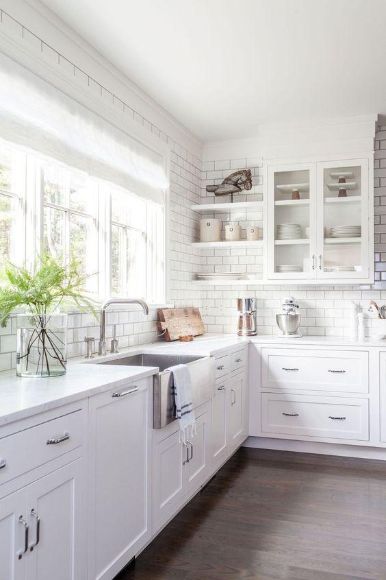 Kitchen Corner Ideas: Stunning All-White Kitchen