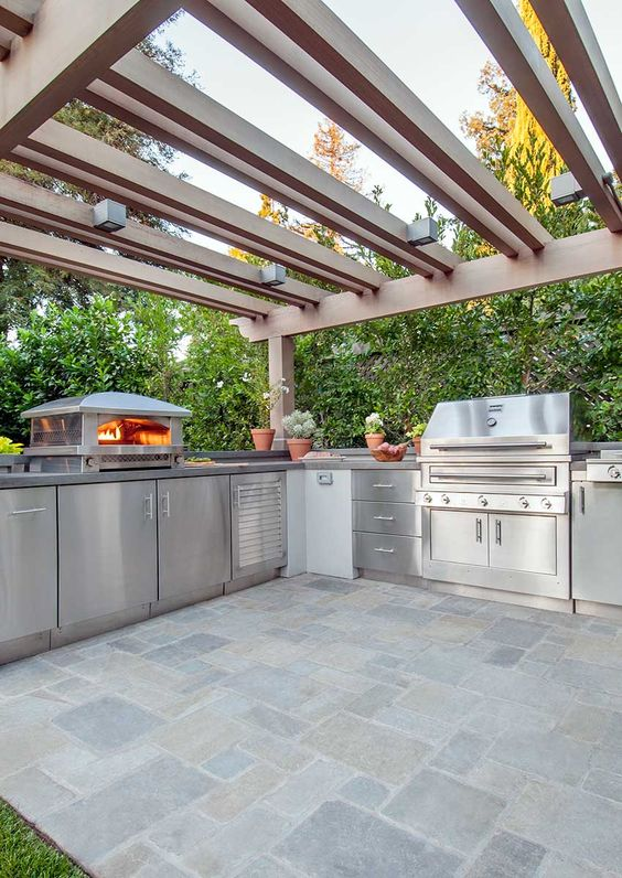 Backyard Kitchen Ideas: Stunning Cool Layout