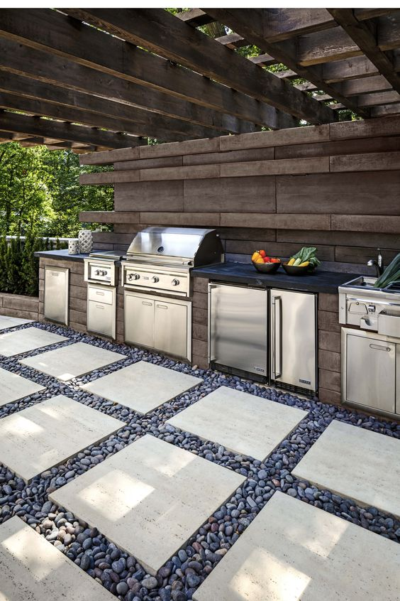 Backyard Kitchen Ideas: Unique Rustic Style