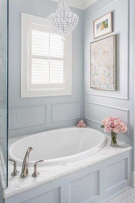 Bathroom Bathtub Ideas: Elegant Built-In Tub