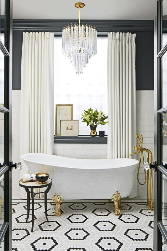 Bathroom Bathtub Ideas: Chic Clawfoot Tub