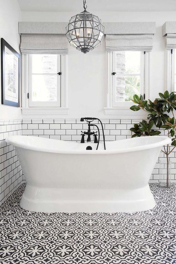Bathroom Bathtub Ideas: Angled Fiberglass Tub