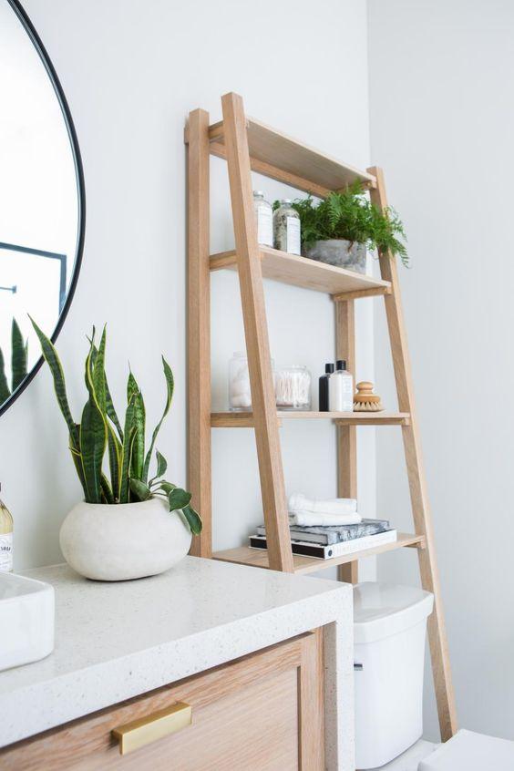 Bathroom Storage Ideas: Standing Shelf
