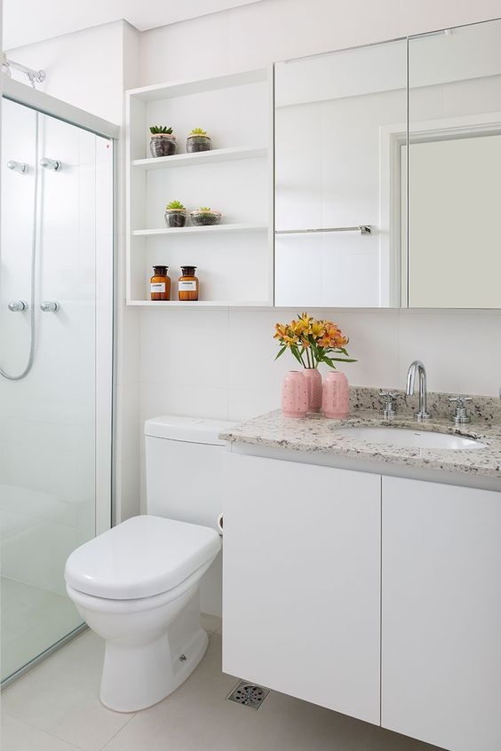 Bathroom Storage Ideas: Classic Wall Storage