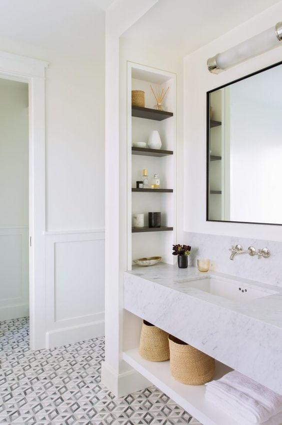 Bathroom Storage Ideas: Stylish Built-In