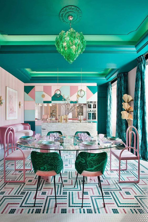 Dining Room Colors Ideas: Striking Colors