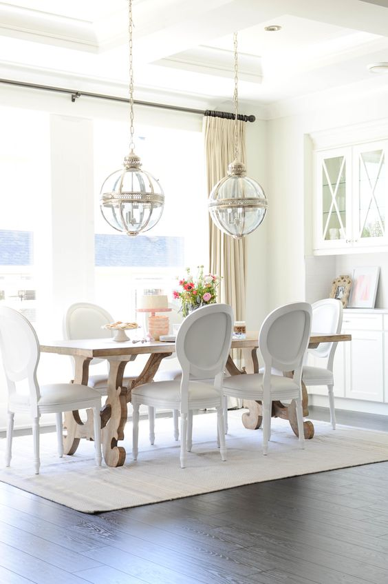 Dining Room Colors Ideas: Airy Feeling