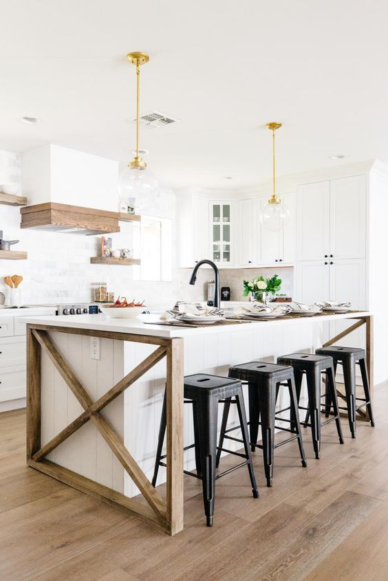 Kitchen with Island Ideas: Rustic Farmhouse