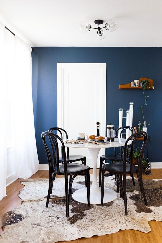 Navy Dining Room Ideas: Minimalist Dining Room