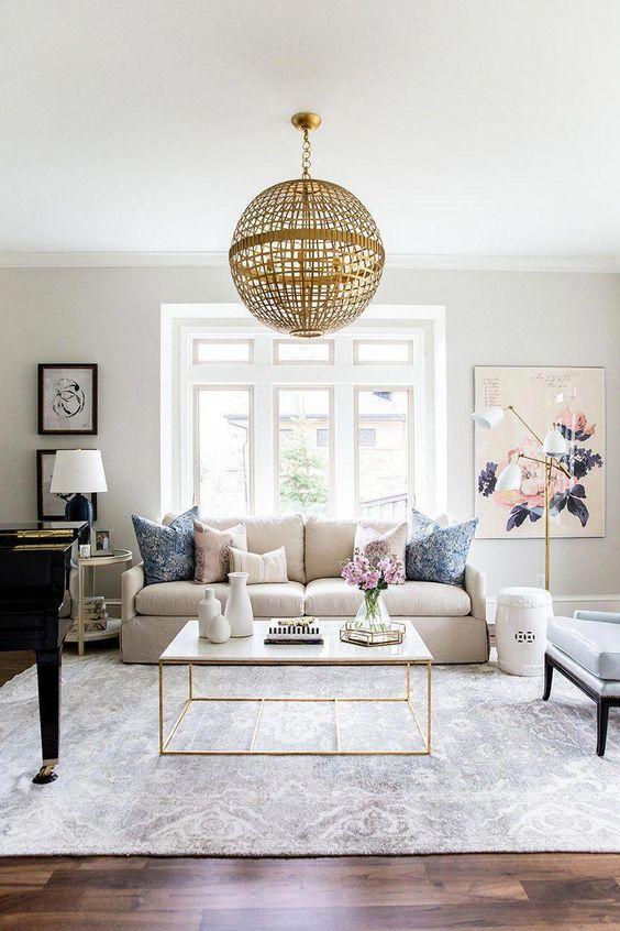 Traditional Living Room: Elegant Decor Item