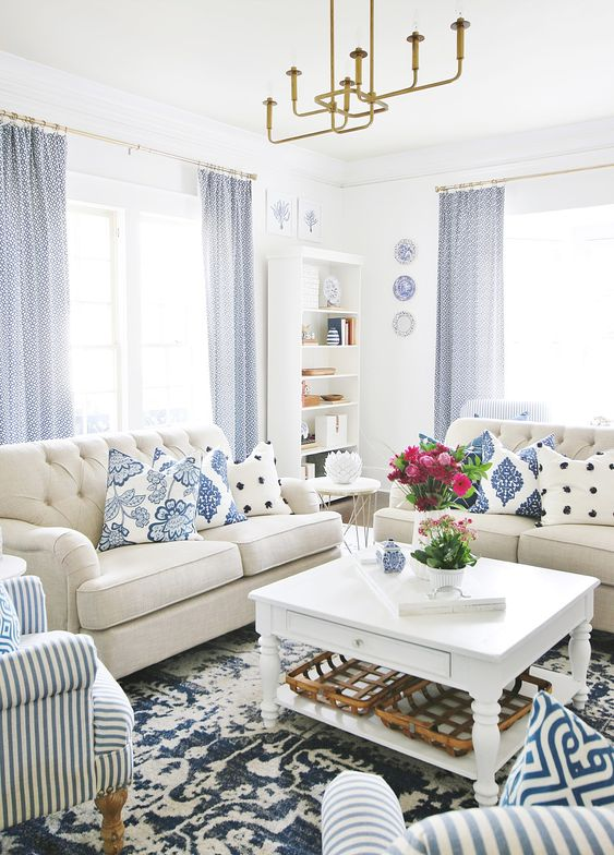 Traditional Living Room: Fresh Nautical Nuance