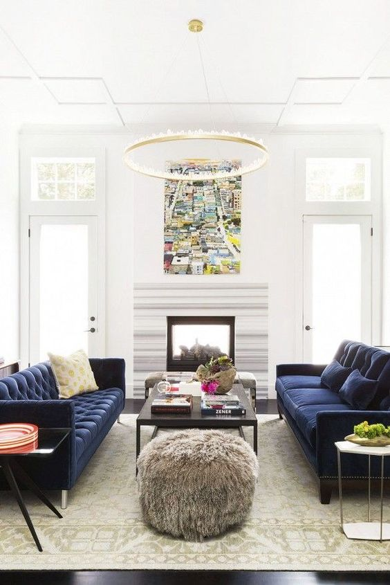 Traditional Living Room: Decorative Living Room