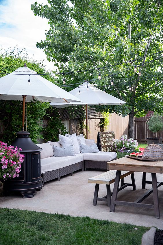 Backyard Sitting Area Ideas: Minimalis Rustic Farmhouse