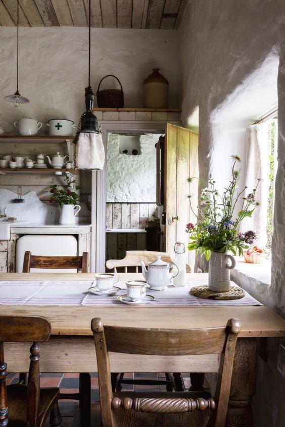 Rustic Dining Room Ideas: Striking Rustic