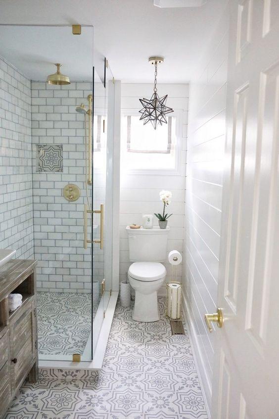Small Bathroom Ideas: Simple Vintage Vibe