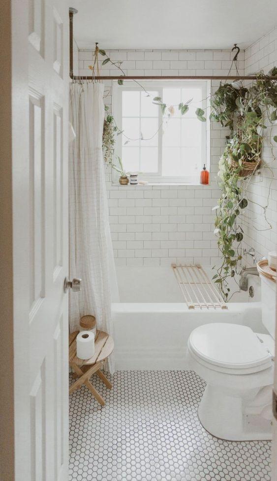 Small Bathroom Ideas: Fresh Natural Boho