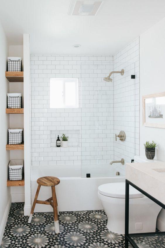 Small Bathroom Ideas: Stunning Farmhouse Look